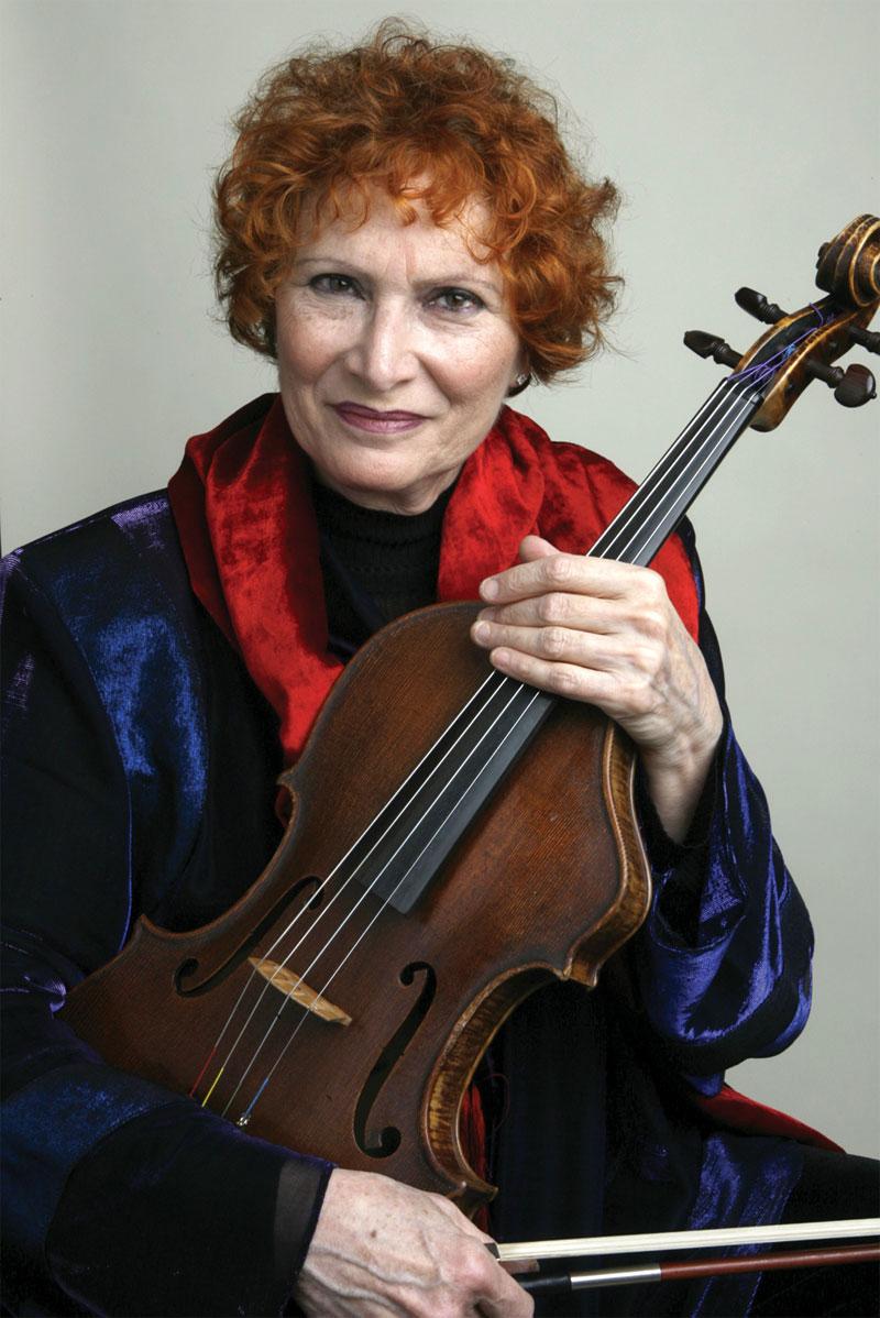 Rivka Golani with her Erdesz viola