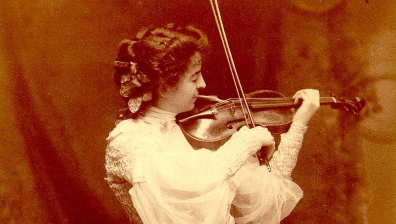 Maud Powell with Mayseder Guarneri del Gesu