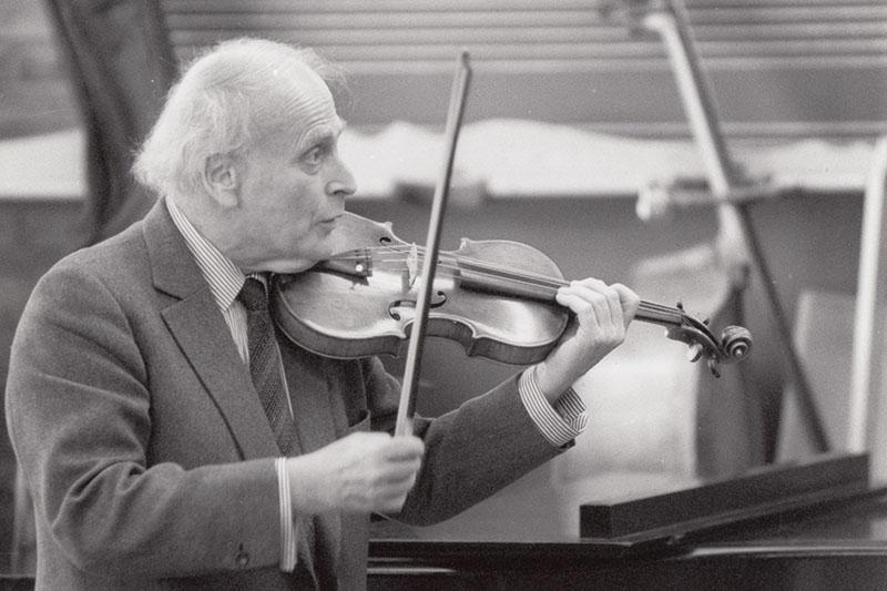 Yehudi Menuhin, Violin